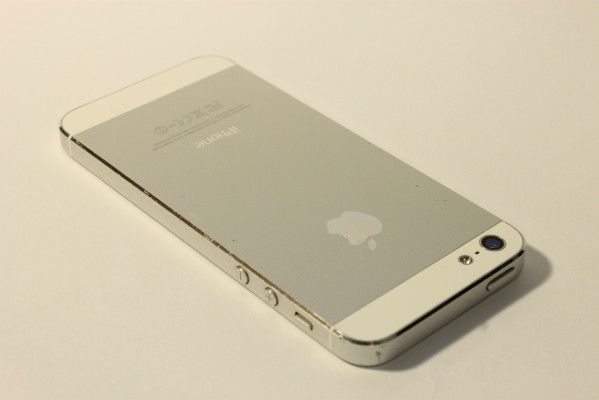Фото iPhone 5 задняя крышка