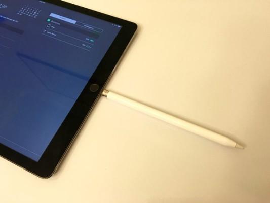 На сколько хватает заряда Apple Pencil