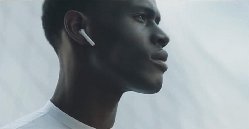 Как сидят AirPods в ушах