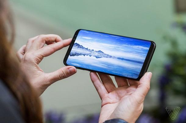 Samsung Galaxy S8 дисплей