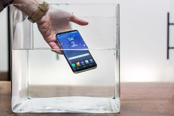 Samsung Galaxy S8 водонепроницаемость